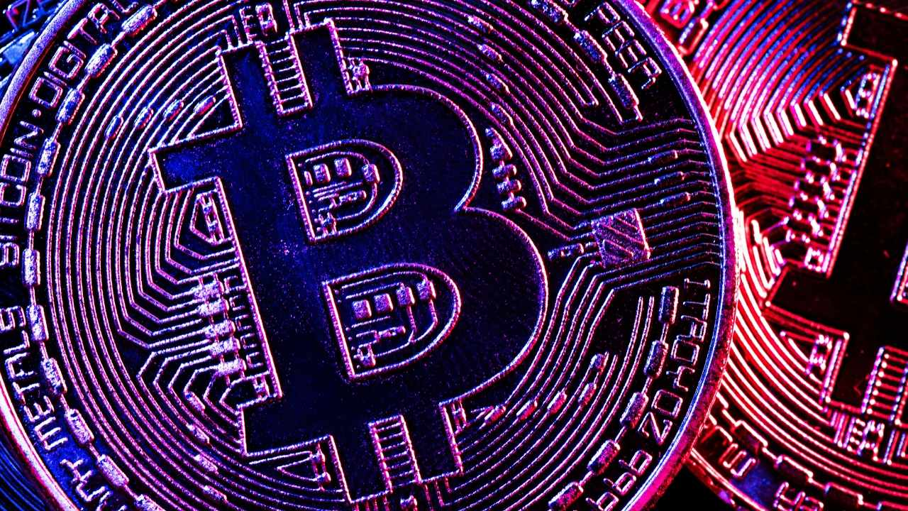 Altcoins rally as analyst warns Bitcoin is in the '$ 50K-- $60K golden zone'